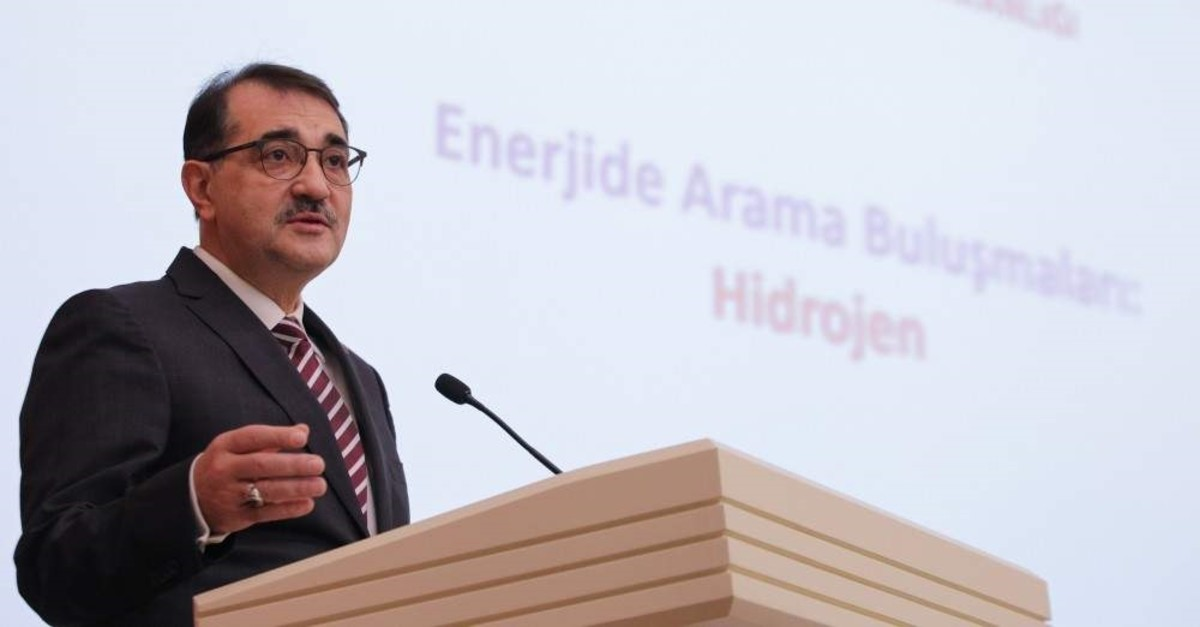 Energy and Natural Resources Minister speaks at an event that promotes hydrogen as a fuel at the ministry, Ankara, Jan. 15, 2020.
