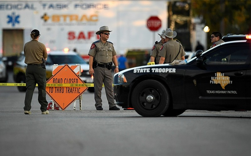 Law enforcement officials set up along a street near the First Baptist Church after a mass shooting in Sutherland Springs, Texas, US., November 5, 2017 (Reuters Photo)