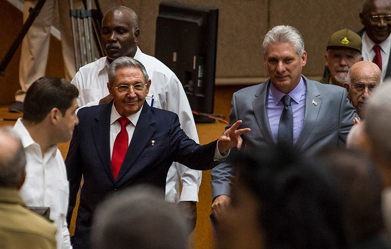 Cuba's President Raul Castro (C-L) and First Vice-President Miguel Diaz-Canel (C-R) arrive for a session of the National Assembly in Havana, Cuba, April 18, 2018. (AFP Photo)