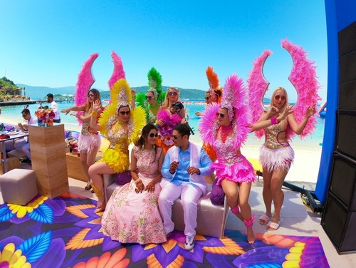 Exuberant 3-day Indian wedding kicks off in Turkey's Bodrum
