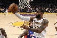 James' triple-double propels Lakers past Pistons