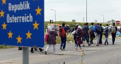 pÖsterreich erwägt einen Ausstieg aus dem 2015 beschlossenen Programm, mit dem bis zu 160.000 in Italien und Griechenland gestrandete Migranten in anderen EU-Staaten eine neue Heimat finden...