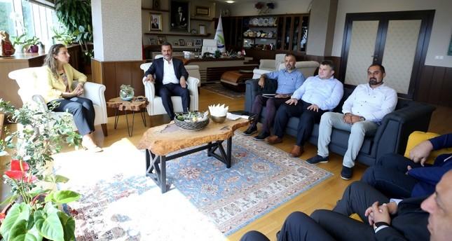 وفد من رجال الأعمال المصريين في زيارة عمل لجامعة دوزجة (الأناضول)