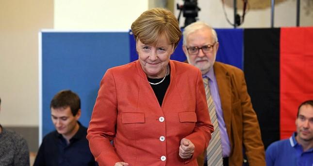 Merkel seen winning 4th term, hard-right AfD gains seats in German elections