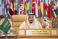 اتهم العاهل السعودي الملك سلمان بن عبد العزيز، مساء الأحد، إيران بأنها