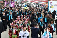 Van welcomes Iranian tourists as major shopping fest begins