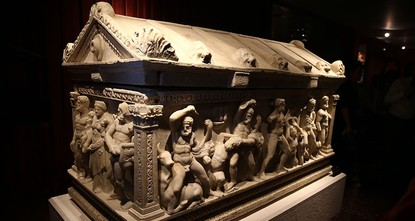 pThe sarcophagus of Hercules brought from Zurich to Istanbul earlier this month was put on display in the museum of Antalya, a southern city where the second century artifact...