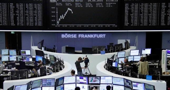 تراجع الثقة الاقتصادية في منطقة اليورو بأكثر من التوقعات