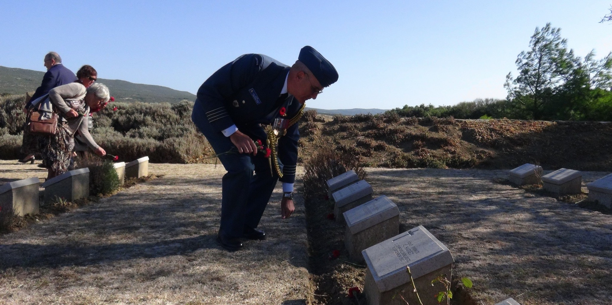 Canadian officials left carnations on the graves of Canadian soldiers who died in the Gallipoli campaign.