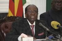 Simbabwes Präsident Robert Mugabe klammert sich an die Macht: In einer TV-Ansprache kündigte der 93-Jährige am Sonntagabend nicht wie erwartet seinen Rücktritt an, sondern bekräftigte seinen...