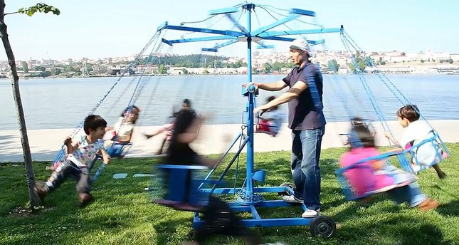 Atuğ has been providing mobile swinging entertainment to children in the streets of Istanbul for years, and his Ramadan shift continues to bring joy to many.