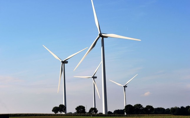 Study: Solar, wind costs could fall up to 59 pct by 2025