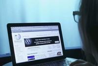 """Türkische Internet-Nutzer sind seit Samstagmorgen nicht in der Lage, auf das Online-Lexikon """"Wikipedia"""