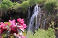 شلالات غيرلافيك التركية نافذة السياح إلى الشتاء في حر الصيف