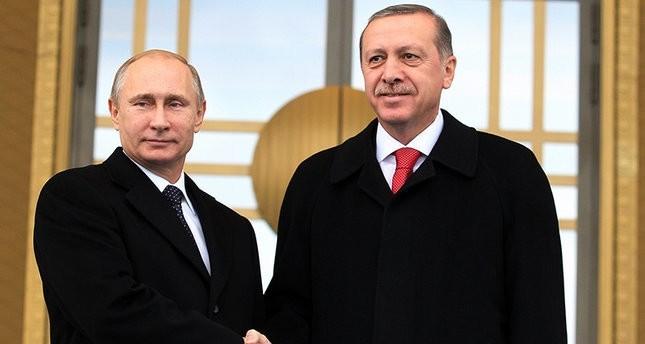بوتين يهنئ أردوغان هاتفياً بنجاح الاستفتاء على التعديلات الدستورية