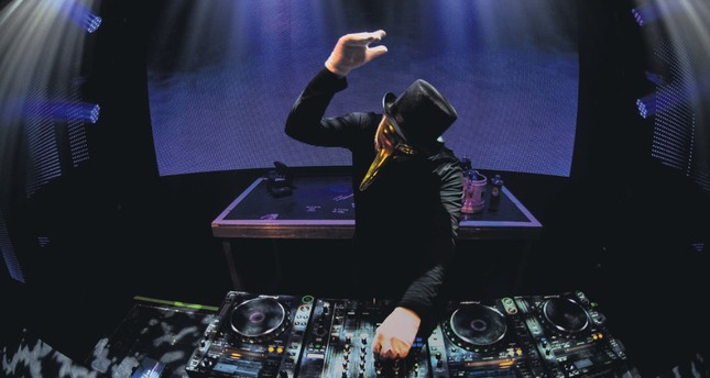Claptone, masked hero of electronic music, at MIX Festival