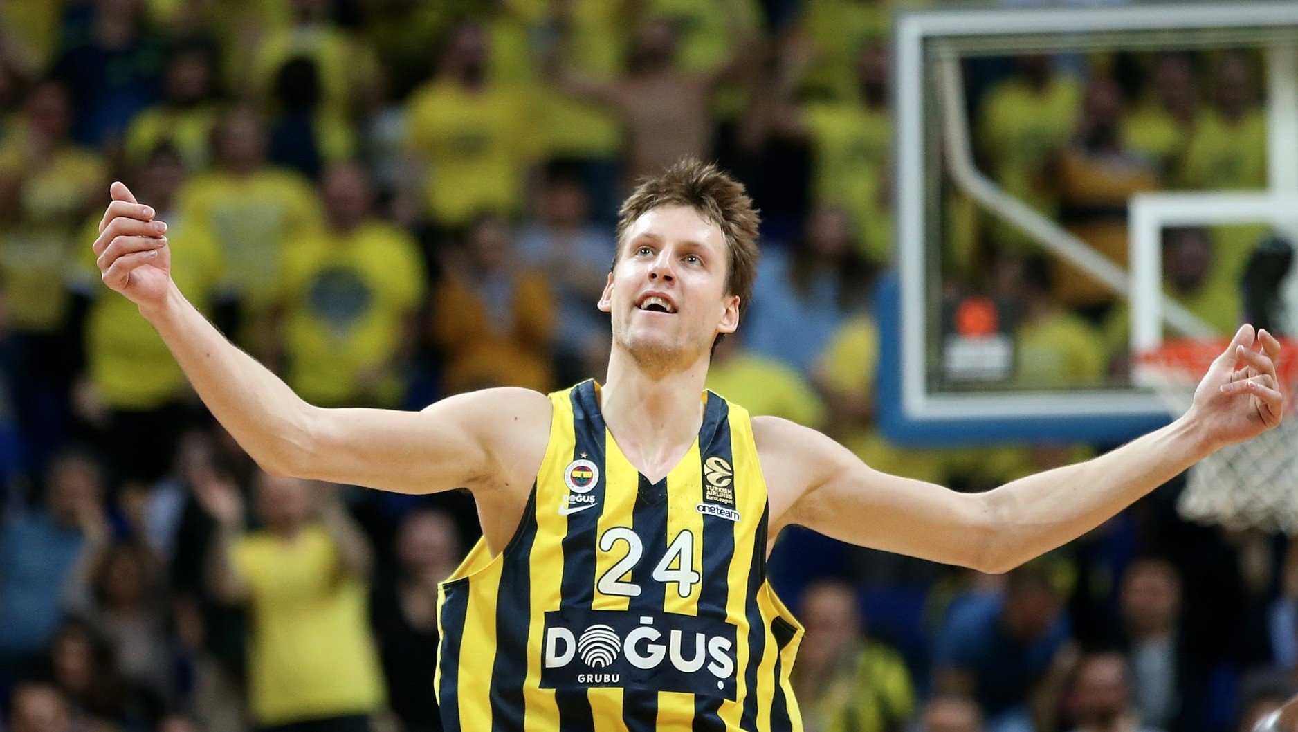 Jan Vesely of Fenerbahu00e7e celebrates after scoring against Brose Bamberg in Istanbul.