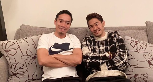 Galatasaray defender Yuto Nagatomo, left, and Beşiktaş midfielder Shinji Kagawa pose for photo after dinner at former's house in Istanbul, Feb. 5, 2019.