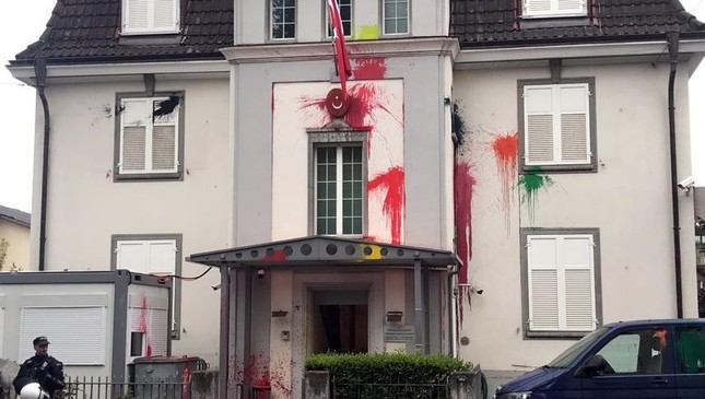 Turkish consulate in Zurich vandalized with paint, 'Kill Erdoğan' reappears in Swiss streets