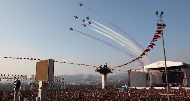 إزمير التركية تحتفل بالذكرى الـ 95 لتحريرها من الاحتلال اليوناني