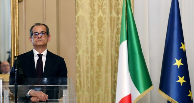 Italian Economy Minister Giovanni Tria looks on before a joint news conference with Eurogroup President Mario Centeno at the Treasury ministry in Rome, Italy, November 9, 2018. (Reuters Photo)