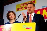 FDP-Chef Christian Lindner hat den Wiedereinzug in den Bundestag als Erfolg des Erneuerungskurses seiner Partei gefeiert.