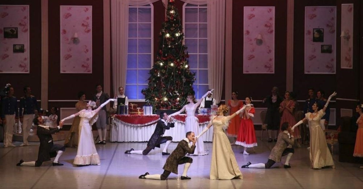 A scene from Antalya State Opera and Ballet's ,The Nutcracker, performance. (DHA Photo)