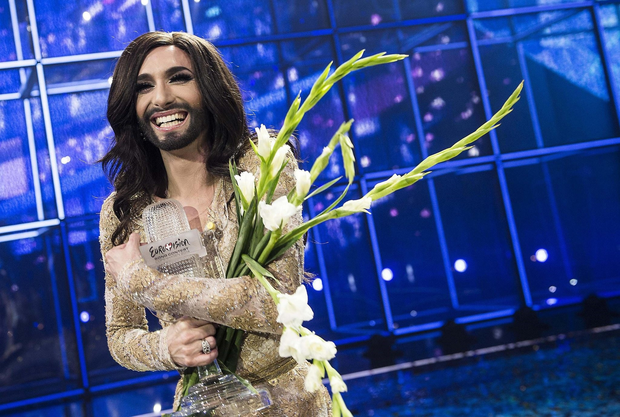 Conchita Wurst representing Austria poses with the trophy after winning the 59th annual Eurovision Song Contest (ESC) at the B&W Hallerne in Copenhagen, on May 10, 2014. (REUTERS Photo)