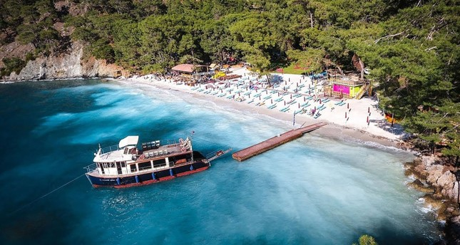 Bodrum is famous with its sandy beaches and crystal clear waters. If you love tranquility during your time by the sea, blue cruises though Bodrum coast can be one of the best choices for you.