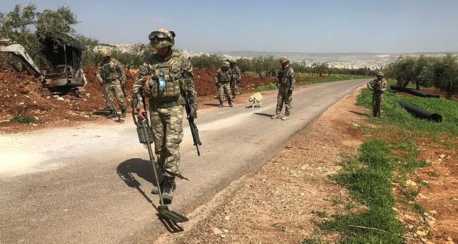 عفرين: الجيشان التركي والسوري الحر يواصلان جهودهما في إزالة الألغام