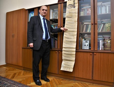 The institute's Vice President Kerimov explained the significance of the find to an AA correspondent. (AA Photo )