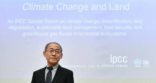 Intergovernmental Panel on Climate Change (IPCC) chairman Hoesung Lee looks arrives to a press conference on a special IPCC report on climate change and land on August 8, 2019 in Geneva (AFP Photo)