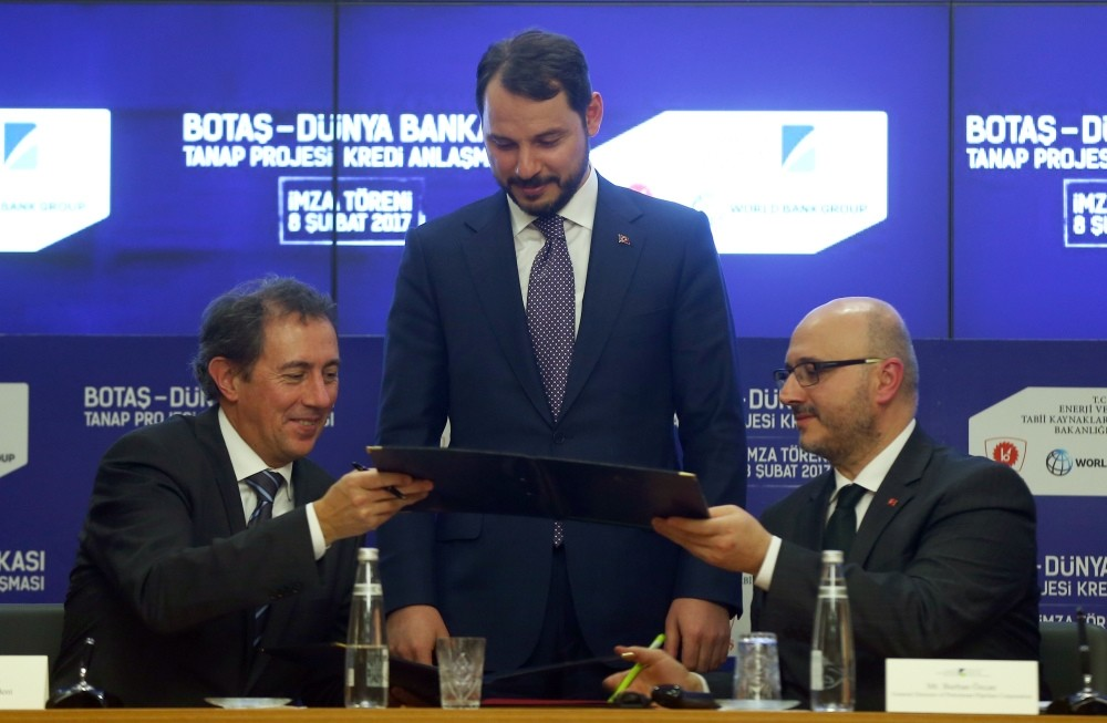 Energy and Natural Resources Minister Albayrak (C) attended yesterday the signing ceremony of a new loan deal worth $400 million between Turkey's state-owned BOTAu015e and the World Bank.