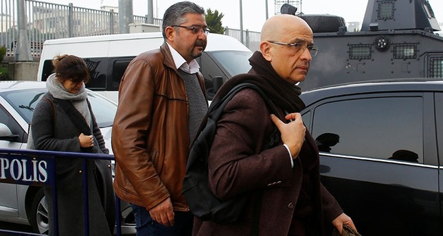 Enis Berberoğlu, a lawmaker from the main opposition Republican People's Party (CHP), arrives at the Çağlayan Courthouse, to attend a trial in Istanbul, Turkey, March 1, 2017. (Reuters Photo)
