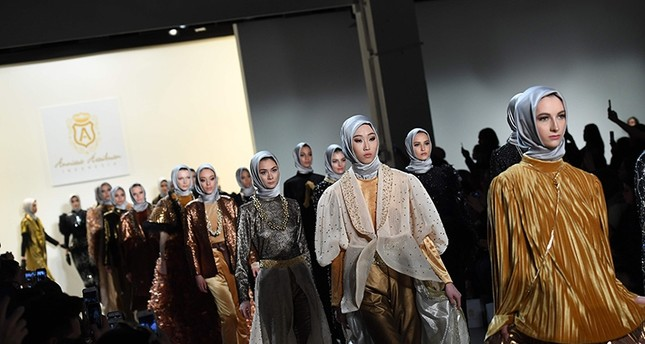 Muslim designer unveils new collection at NYC fashion week