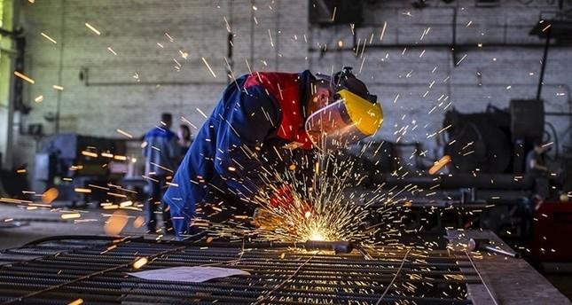 ارتفاع مؤشر الإنتاج الصناعي التركي 9.9 % في فبراير الماضي