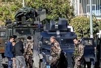 Mindestens 279 PKK- und Daesh-Terroristen sind in der vergangenen Woche bei landesweiten Antiterror-Operationen festgenommen worden. Dies gab das Innenministerium am Montag bekannt.  Die...