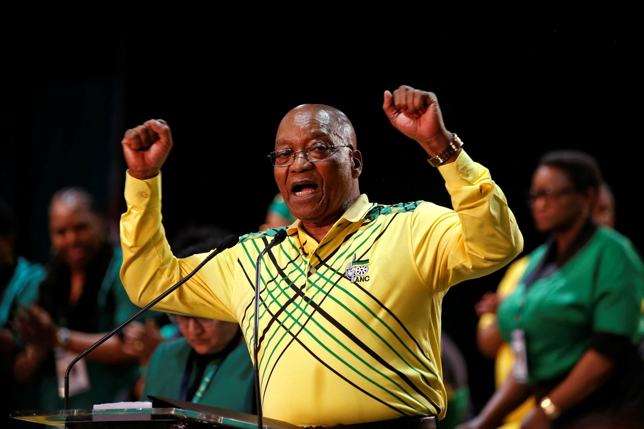 President of South Africa Jacob Zuma gestures to his supporters at the 54th National Conference of the ruling African National Congress (ANC) at the Nasrec Expo Centre in Johannesburg, South Africa December 16, 2017. (REUTERS Photo)
