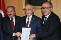 The Justice and Development Party (AK Party) and the Nationalist Movement Party's (MHP) efforts to form electoral alliances came to a head Wednesday when the representatives of the two parties...