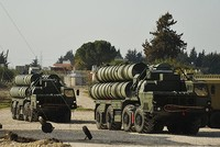 Russia ready to sell S-400 missile defense systems to Turkey, Putin says