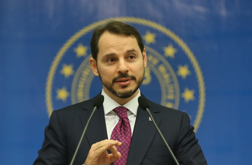 Treasury and Finance Minister Berat Albayrak speaks during a meeting with businesspeople in Bursa yesterday.