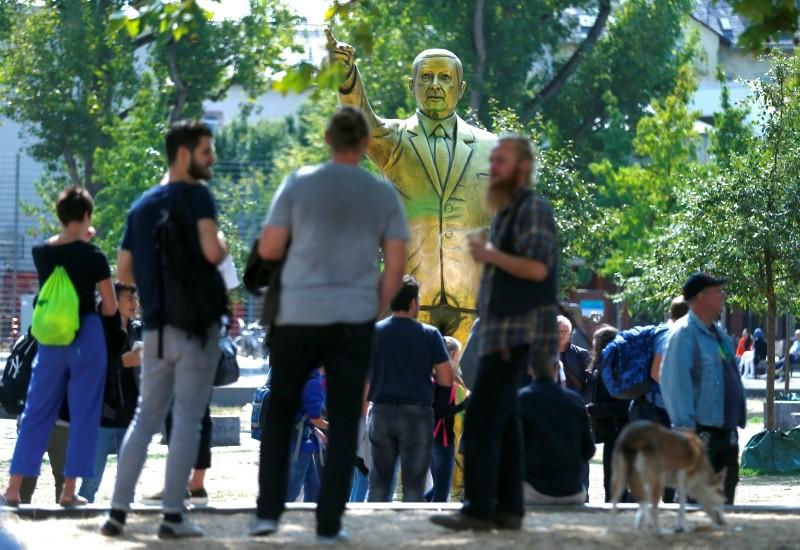 A statue of President Recep Tayyip Erdou011fan is seen during the art exhibition ,Wiesbaden Biennale, in Wiesbaden, Germany, August 28, 2018. (Reuters Photo)