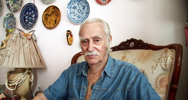 Turkish actor Eşref Kolçak dies at age 92