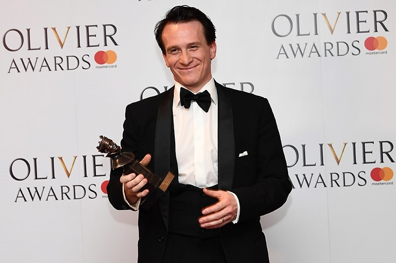 Jamie Parker, winner of the Best Actor award for his role in 'Harry Potter And The Cursed Child' poses with his award during the 2017 Laurence Olivier Awards in London on April 9, 2017. (AFP Photo)