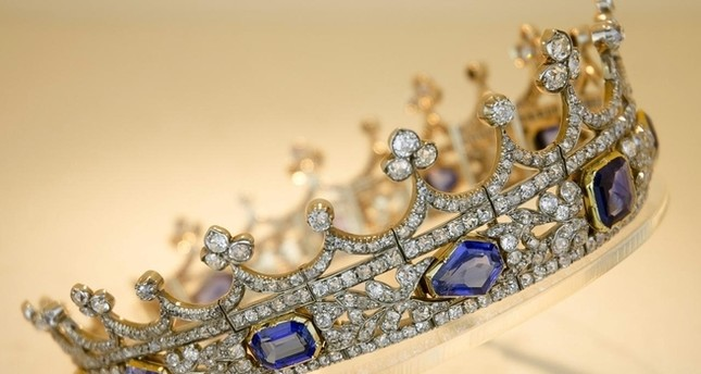 Queen Victoria's crown blocked from export to foreign buyer