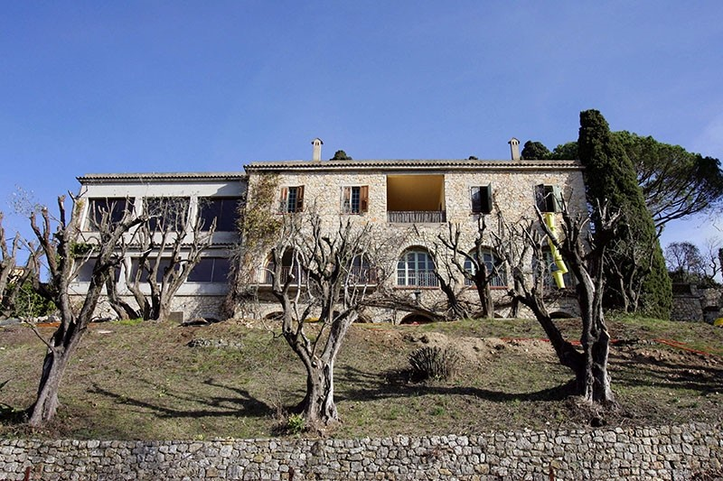 This file photo taken on February 05, 2008 in Mougins shows the villa in which Spanish painter Pablo Picasso (1881-1973) spent the last years of his life. The villa will be auctioned on October 12, 2017 in Grasse (AFP Photo)