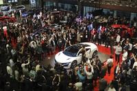 Die diesjährige Istanbuler Autoshow auf dem Messegelände TÜYAP im Bezirk Büyükçekmece lässt Autoliebhabern jeder Art Herzen höher schlagen.  Die Messe startete am 21. April und wird für zehn Tage...