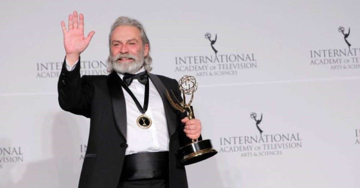 Actor Haluk Bilginer poses with his award for best performance by an actor for his role in ,?ahsiyet, (,Persona,) at the 47th International Emmy Awards in New York City, U.S., Nov. 25, 2019. (Reuters Photo)