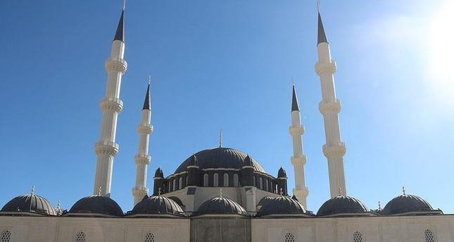 وقف الديانة التركي يواصل أعمال بناء مسجد هالة سلطان بنيقوسيا