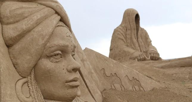 متحف أنطاليا للتماثيل الرملية يستقبل زواره بـأساطير جديدة
